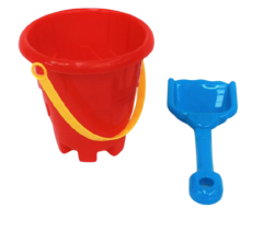 SIMPLE BUCKET AND SPADE SET